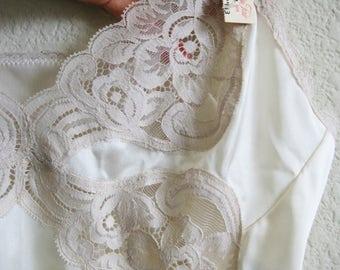 Ivory Lace Slip Vanity Fair Lace Hem MED - Original Tags