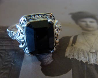 Charming Sterling  & Black Onyx  Ring Size 6.5