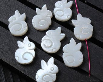 10pcs White Mother of Pearl Shell rabbit Pendants  - natural mother of pearl beads - MOP beads for jewelry design(BK1034)