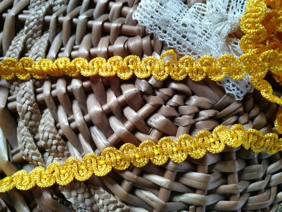 9.50 + Yards Antique Yellow Silk Trim French Passementerie New Old Stock Sewing Project Home Decor #sophieladydeparis