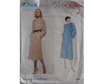 """Vintage 70's Vogue American Designer #2073 Jerry Silverman Dress Sewing Pattern Suitable for Knit Jersey Fabrics Bust 34"""" UK 12"""