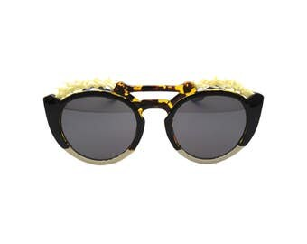 Gothic Bone Detailed Sunglasses with Faux Snakeskin - BONES