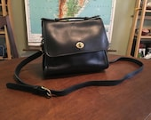Lovely Vintage Coach Court Leather Crossbody Bag - Nice Condition