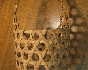 Shaker-style Cheese or Egg Gathering Antique Basket--Rare construction