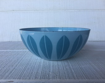 "Mid Century Catherine Holm Scandinavian Design Vintage 8"" Catherineholm Lotus Enamel Bowl, Pastel Blue Norway enamelware Catherineholm"