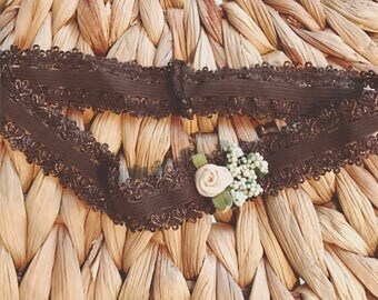 Brown and ivory flower stretchy headband