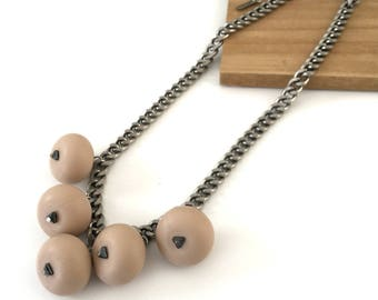 Light beige chunky beaded necklace, silicone beads necklace, silver chain, nulika