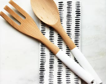 Wooden serving utensil set