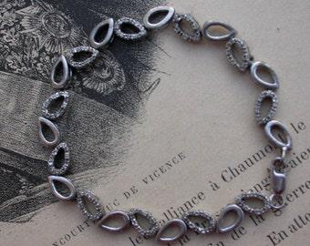 French vintage  art deco style teardrop chain sterling silver  bracelet  crystal link solid silver bracelet