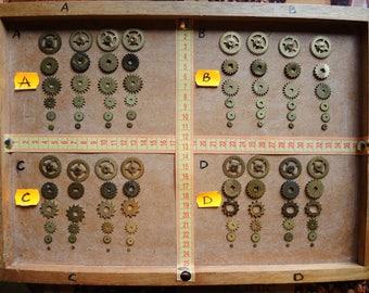 Vintage clock gears / Set of 24 / Small BRASS Gears parts / alarm clock parts / Robot mix parts / brass gears / steampunk gears - g02