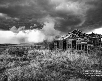 Black-and-White Photography, Print Black-and-White, Rustic House, Vintage Landscape, Kansas, Old House Storm, Weather Art, Old House