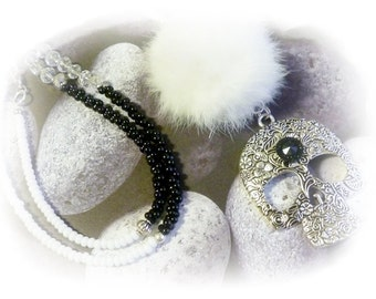 Chain, skull pendant