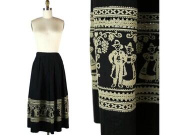 1950s Embroidered Full Midi Skirt / 50s Pleated Skirt with American Folk Art Detail / Pilgrim Skirt