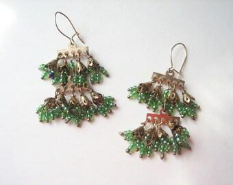 Vintage fringe earrings, green glass fringe, seed bead earrings, gold tone fringe, green earrings