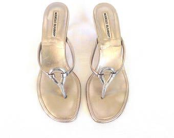 Manolo Blahnik Silver Leather T-Strap Kitten Heel Sandals 38 1/2
