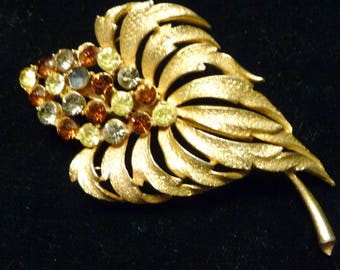 Amber and clear stone Leaf and flower pin