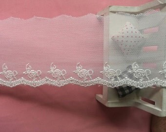 wholesale lot   70yds   Ivory embroidered Heart frill  Lace Trim Crafts/ DIY Wedding doll dress 7cm