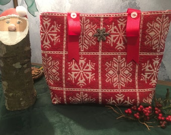 Christmas sparkly-red with white snowflakes small tapestey placemat Betty Bag with buttons and a snowflake charm