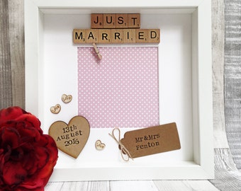 "Wedding gift: personalised scrabble photo frame ""Just Married"" with free photo printing"