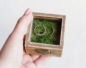 Rustic Wedding Ring Box With Moss - Glass Box, Ring Bearer Box, Wooden Wedding Box, Romantic Wedding, Shabby Chic, Wedding Ideas, Brown Box