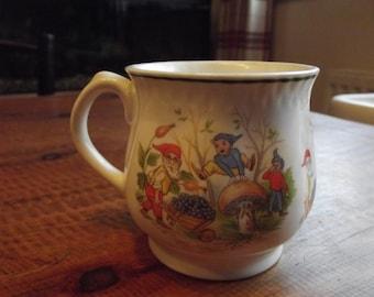 Norstock little elves childrens mug 1960s