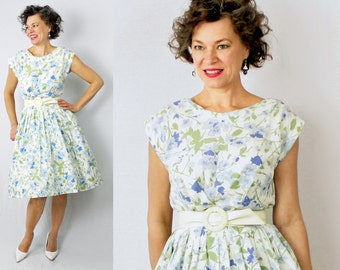1950s Dress / 50s Dress / Day Dress / Floral Dress / Full Skirt Dress / Blue White Dress / Secretary Dress / 1960s Dress / 60s Dress / W 28""