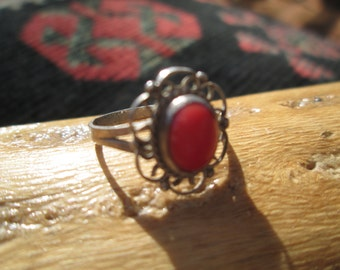 Vintage Ornate Coral and Sterling Silver Ring Size 4.25