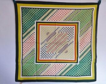 "Vintage Mod scarf green white red geometric 67cm x 68cm 26.3"" x 26.7"""