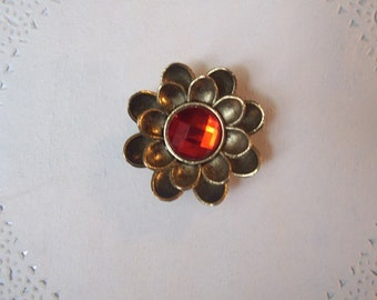 Flower Magnet (710) - Rhinestone Refrigerator Magnet - Jeweled Magnet - Repurposed jewelry - jewelry magnet