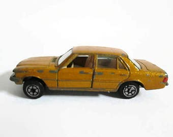 YatMing Car No 1061, Made in Hong Kong, Gold Luxury Sedan, Diecast Vehicle, Red Tail Lights, Vintage Toy