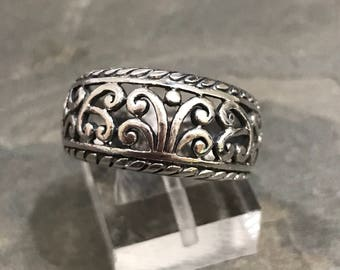 Size 6.5, vintage sterling silver handmade ring, fine 925 silver band with whirl filigree details, stamped 925 MC