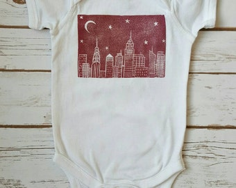 NYC Skyline Infant Bodysuit (12M, pink and white, 100% cotton, baby girl gift, baby shower present, new york city baby)