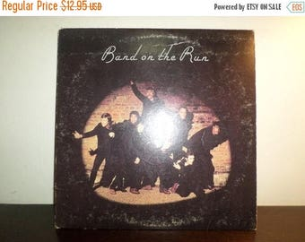 Save 30% Today 1973 Vintage Record Paul McCartney and Wings Band On The Run Very Good Condition 8509