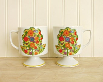 Vintage Pair of White Pedestal Mugs With Mod Floral Design Mod Mugs White Mugs Mod Coffee Cups Housewarming Gift Friend Gift Hostess Gift