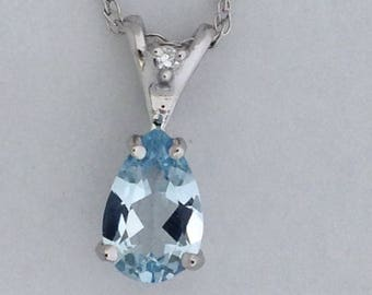 Natural Aquamarine with Natural Diamond Pendant Solid 14kt White Gold