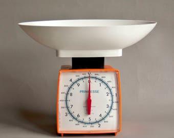 Vintage Retro Orange 1970s PRINCESSE Plastic Kitchen Baking Scales Made in Ireland