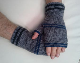 MENS Fingerless gloves.  Medium grey/gray, with dark grey and blue stripes