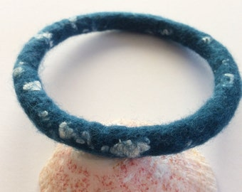 Petrol Blue Bracelet, Simple Felt Bracelet, Dark Teal Blue Bangle, Women's Bracelet MEDIUM, Minimalist Textile Bracelet, Wool Felt Jewelry