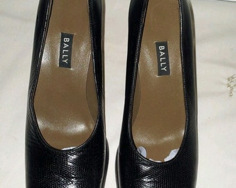 Vintage Bally Made in England NOALE Black Leather Classic high Heel Pumps Shoes US SZ 8