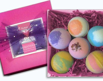 Beautiful, Bath Bomb Gift Set - 6 Large Colorful 4.5 oz. Bath Bombs. Upscale Packaging, Made in US with Natural & Organic Ingredients