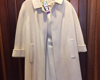 1960S // CHILLY SPRING MORNING // Dumas California Eggshell White Coat