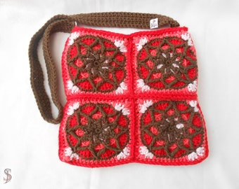 extravagant crochet bag