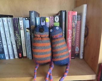 Shelf Monsters: Orange/Grey Striped