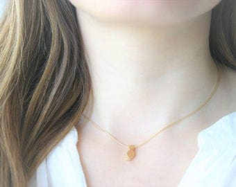 Delicate choker with small kitten bathed in gold