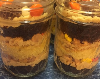 Peanut butter lovers cupcake in a jar - 4oz.