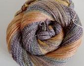 Handgesponnenes Garn, 120g/463m Eispalast  Corriedale/Rosenfaser handspun yarn