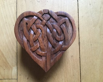 Puzzle box, heart design