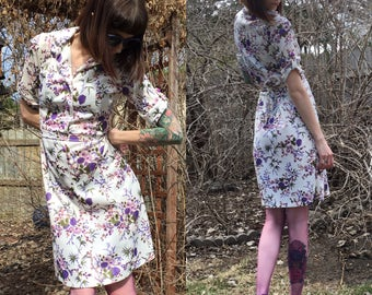 ON SALE! Vintage White Floral Dress with Purple Accents size 10