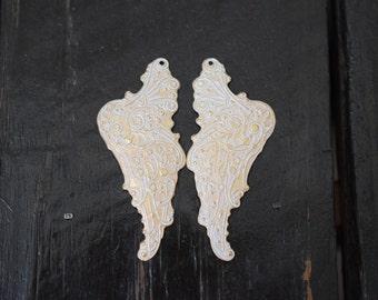 Matte Gold Whitewash Patina Wing Brass Pendants,1 Pair