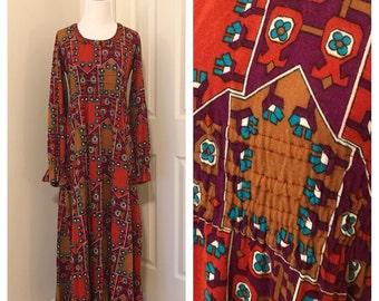 Vintage 70's Maxi Dress. Vintage Geometric Print Dress. Vintage Fall / Autumn Maxi Dress. Soft Knit Maxi Dress. 70's Geometric Print Dress.